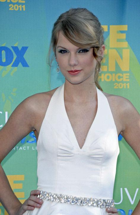 Taylor Swift storms Charleston