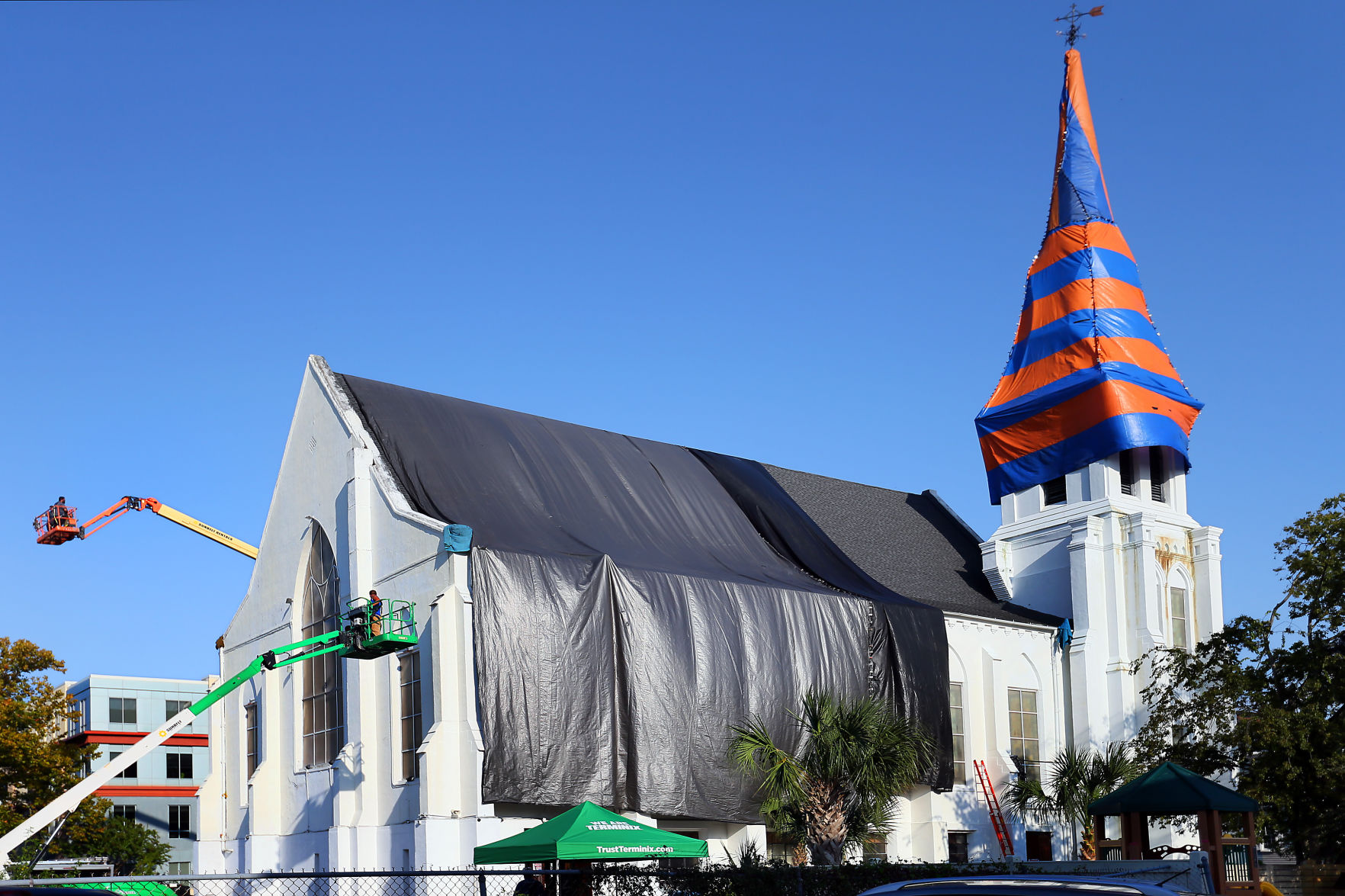 wide emanuel tenting.jpg & Emanuel AME tented for termite treatment | Photo Galleries ...