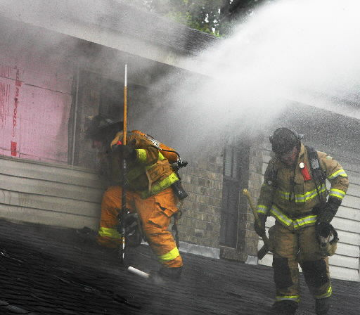Fire damages North Charleston townhouses