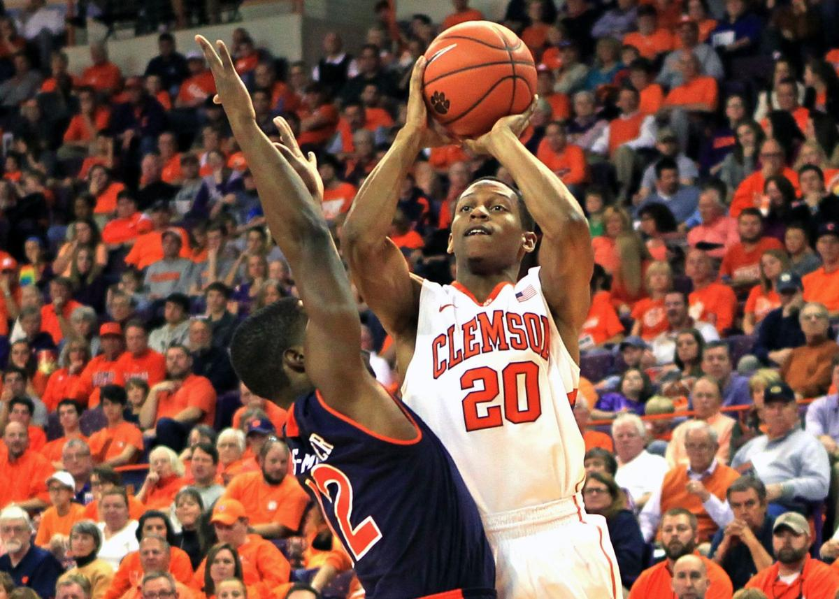Help wanted from Clemson's bench against Syracuse