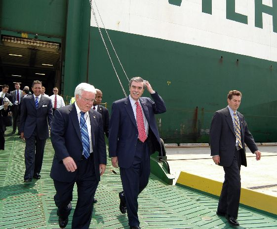 Free trade pacts win praise