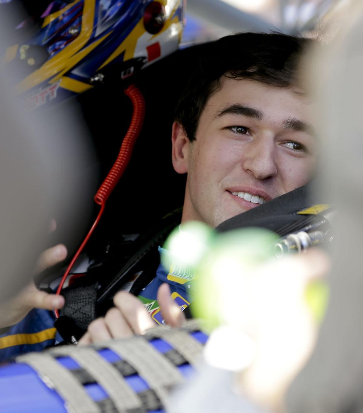 Rookie Elliott youngest on Daytona 500 pole