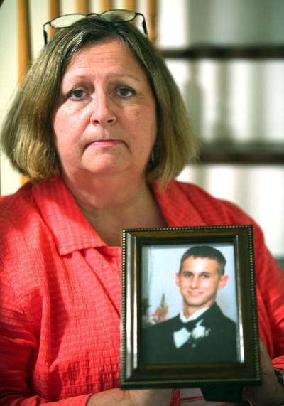 Mom still seeks justice Son's killing in Florida unsolved after 10 years