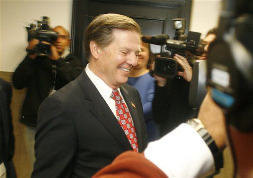 Judge sentences Tom DeLay to 3 years in prison