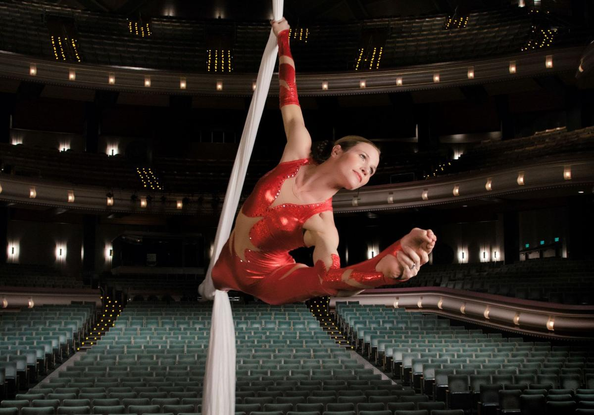 Acrobat Van Loo ready to perform with symphony, conduct workshop