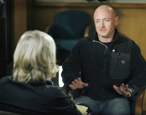 Giffords' husband willing to meet shooting suspect's parents