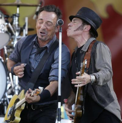 Nils Lofgren turns attention to his own work