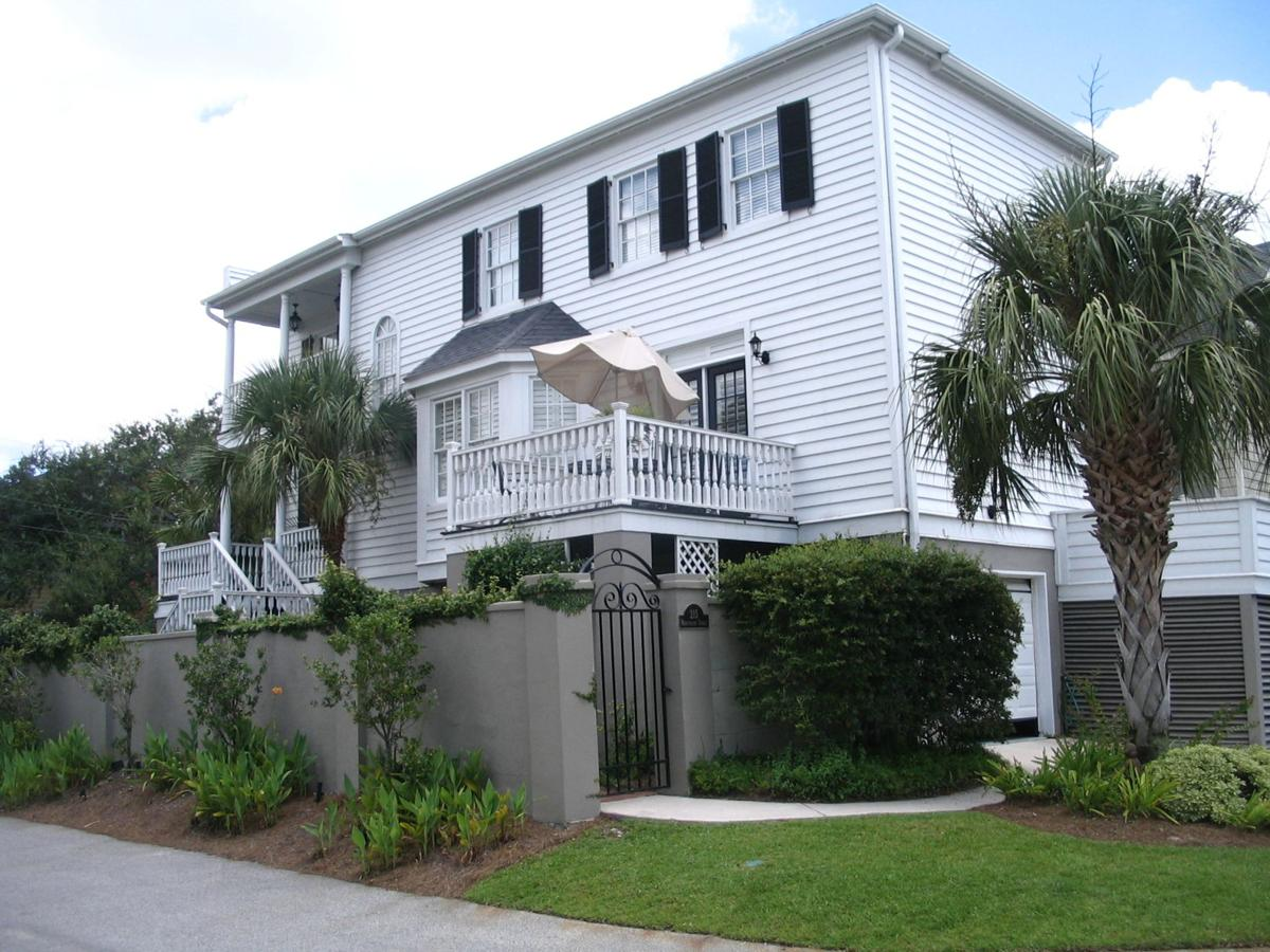 215 Wentworth St. — River views, interior elegance distinguish peninsula house for rent