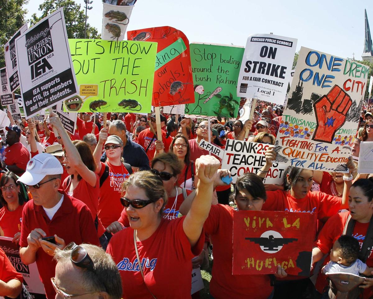 Striking teachers rally in Chicago