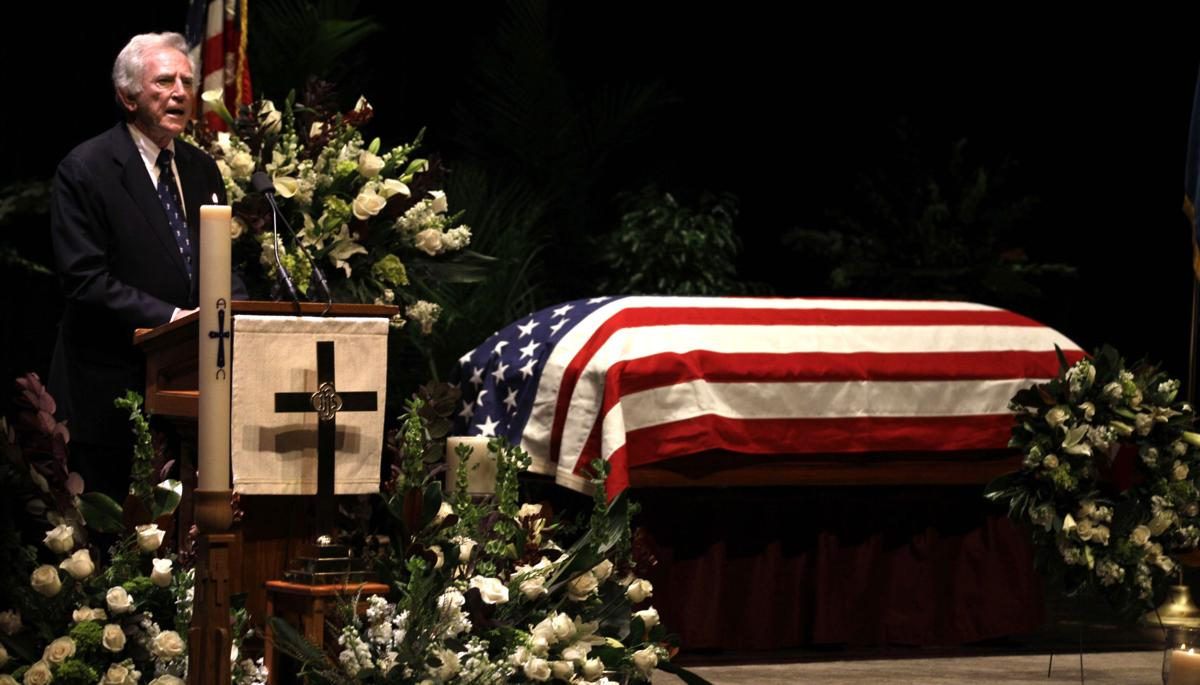 Hundreds mourn George McGovern