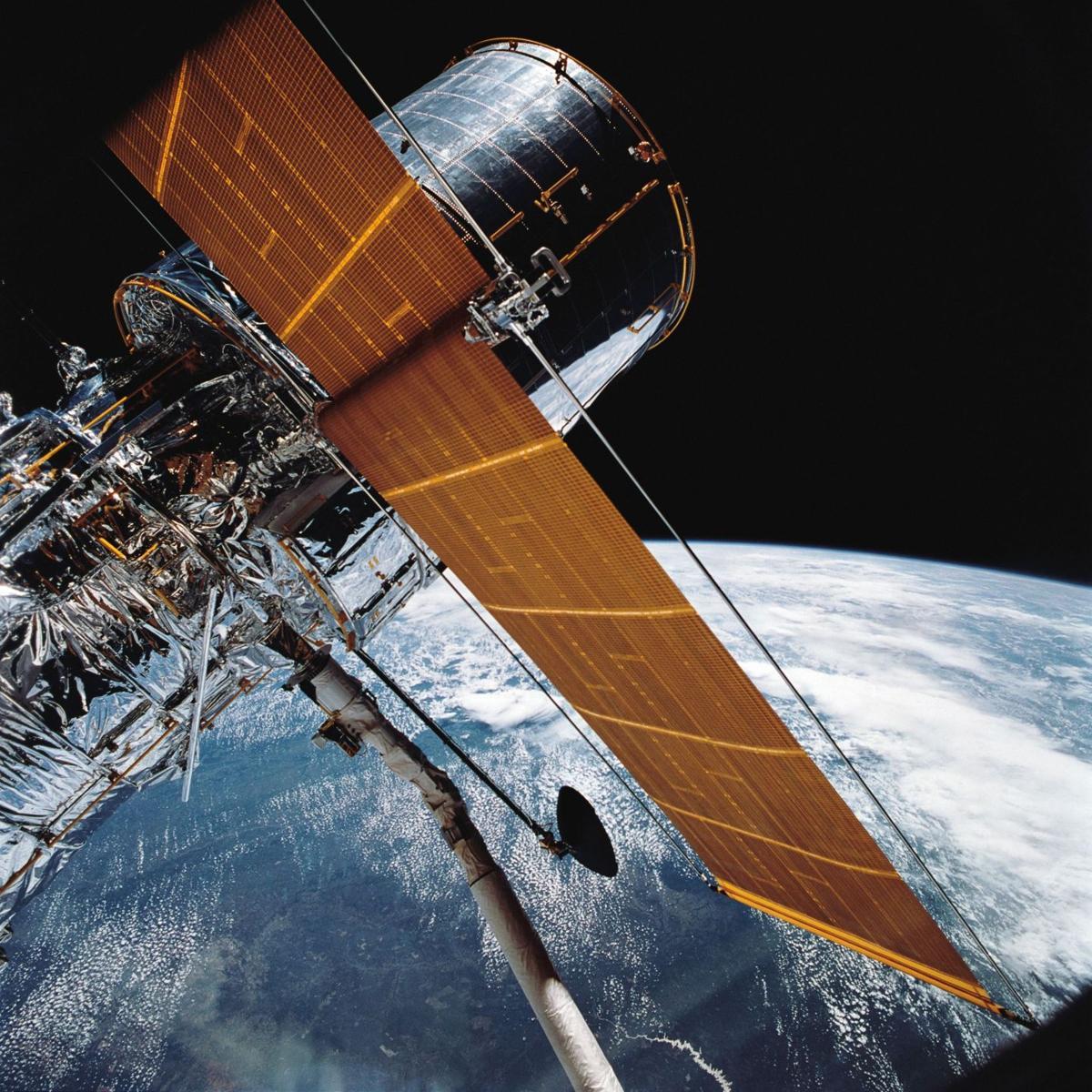 Hubble Space Telescope marks 25th anniversary in orbit