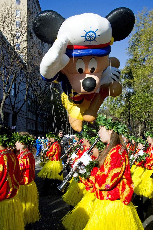 Mickey rules day at Macy's parade