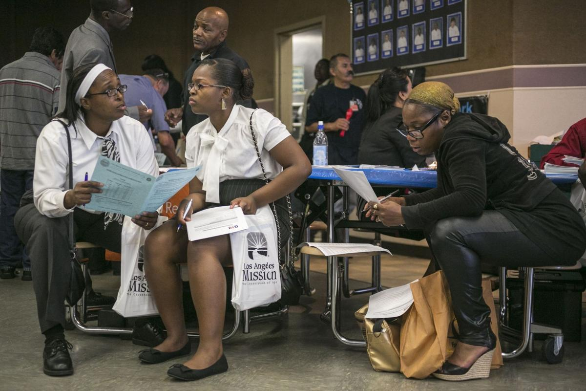 US unemployment benefit applications fall to 334,000