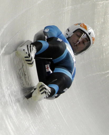 Olympian dies after luge crash
