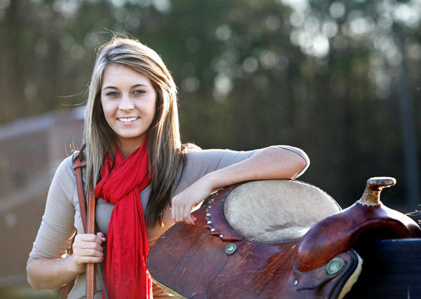Bucking the trend: High schooler gets equestrian scholarship to USC