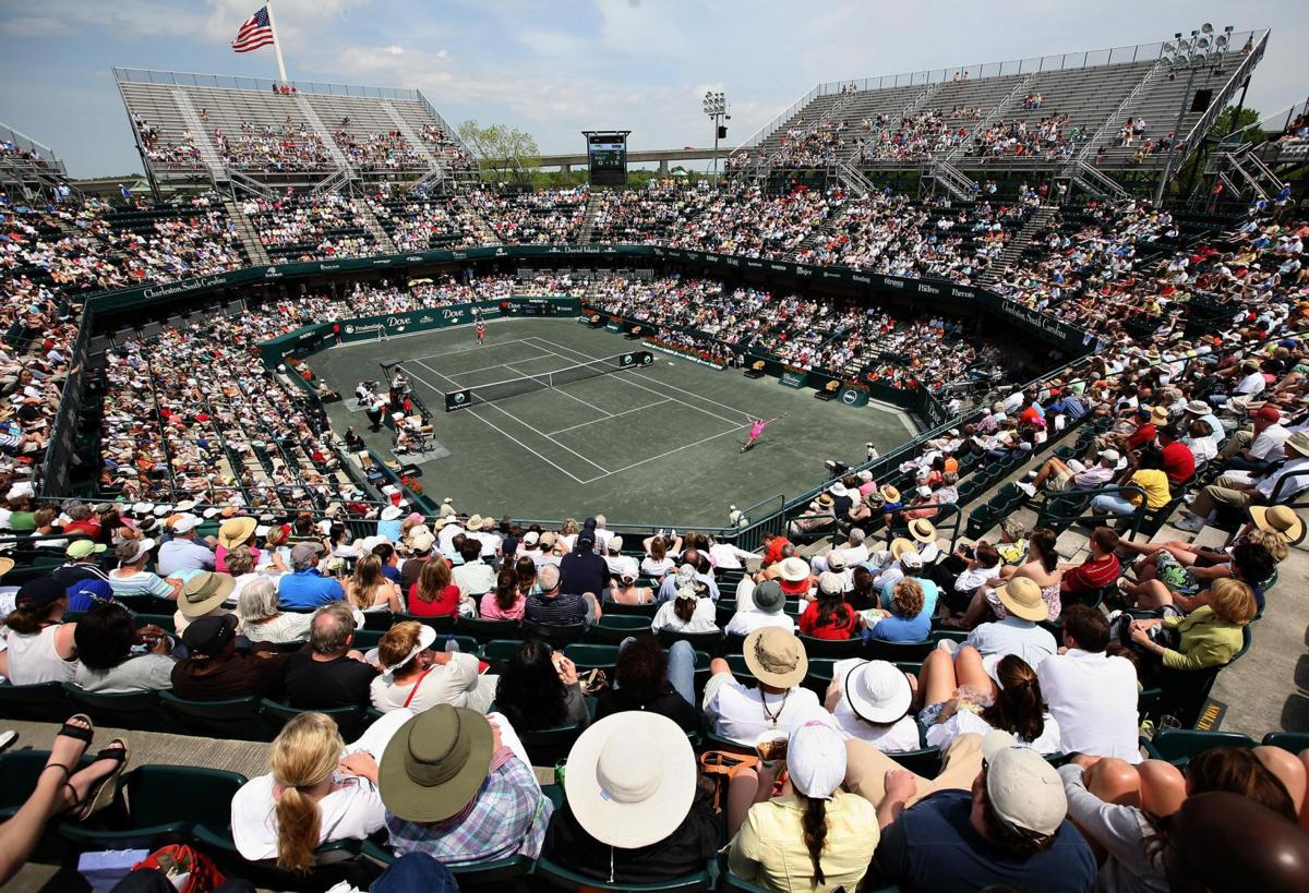 Family Circle Cup adds Kerber, Makarova to field