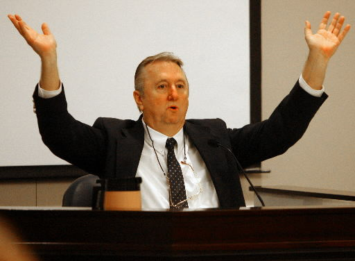 Mission founder cites sloppy bookkeeping