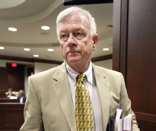 Ex-S.C. lottery chief resigns in Arkansas