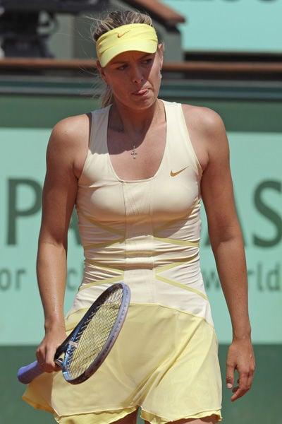 Schiavone, Li advance to final: Errors deny Sharapova's attempt to capture an elusive French Open title