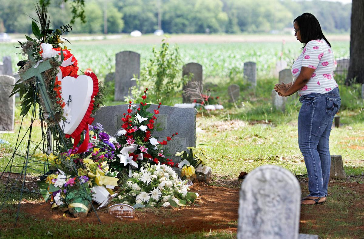 Widow of man slain in police shooting sues town of Eutawville, former police chief