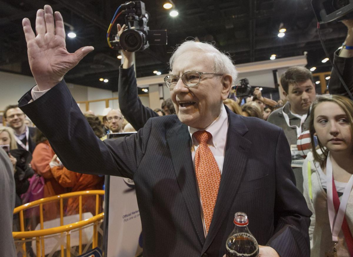 Warren Buffett tells shareholders to expect good return on his investments in newspapers