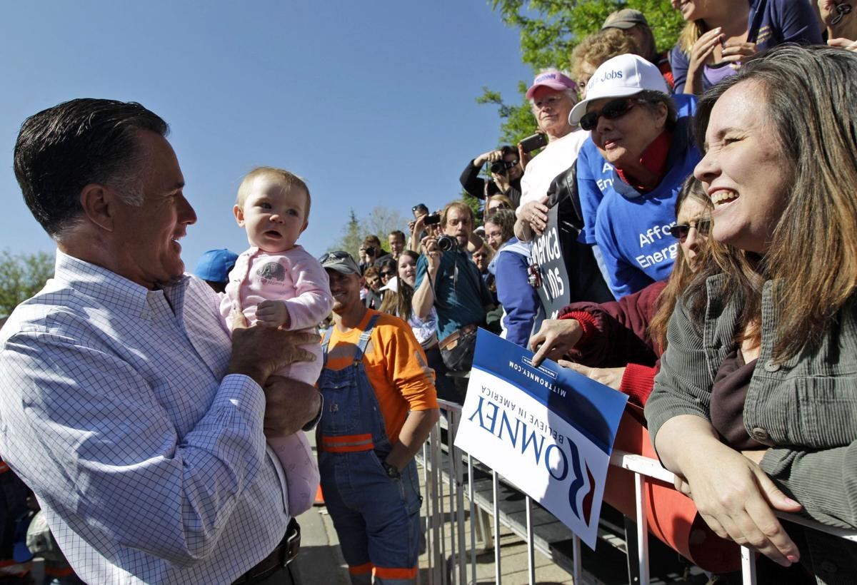 Romney clinches nomination