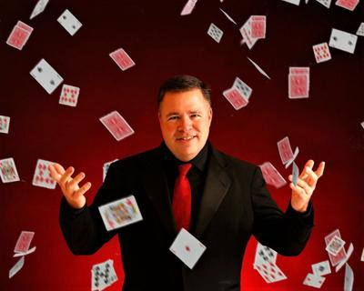 Illusionist coming to Flowertown stage