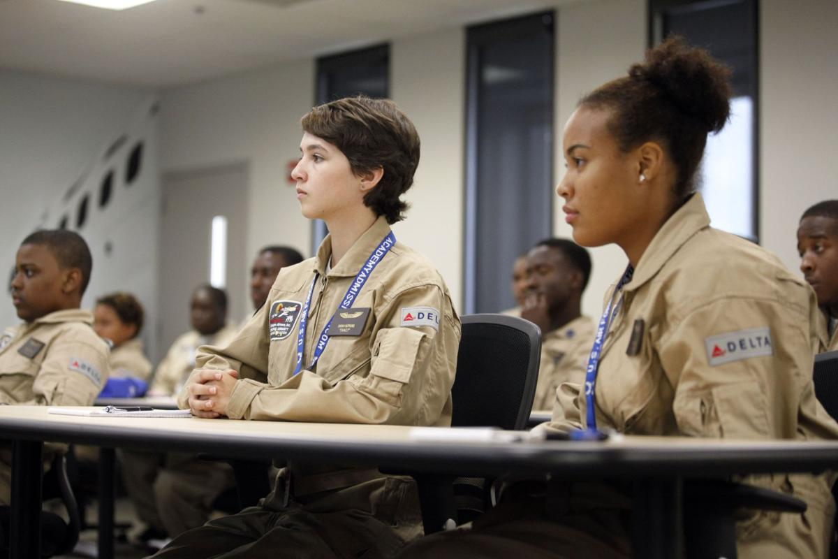 Tuskegee Airmen on mission to teach students