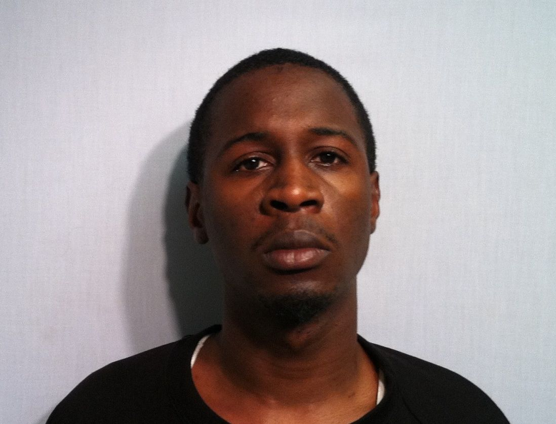 2 guns, cash, drugs seized