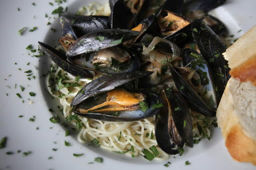 Put some mussels into this quick, easy meal