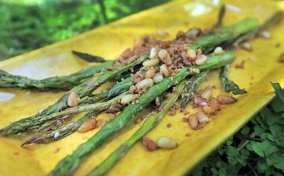 Asparagus with Pine Nuts