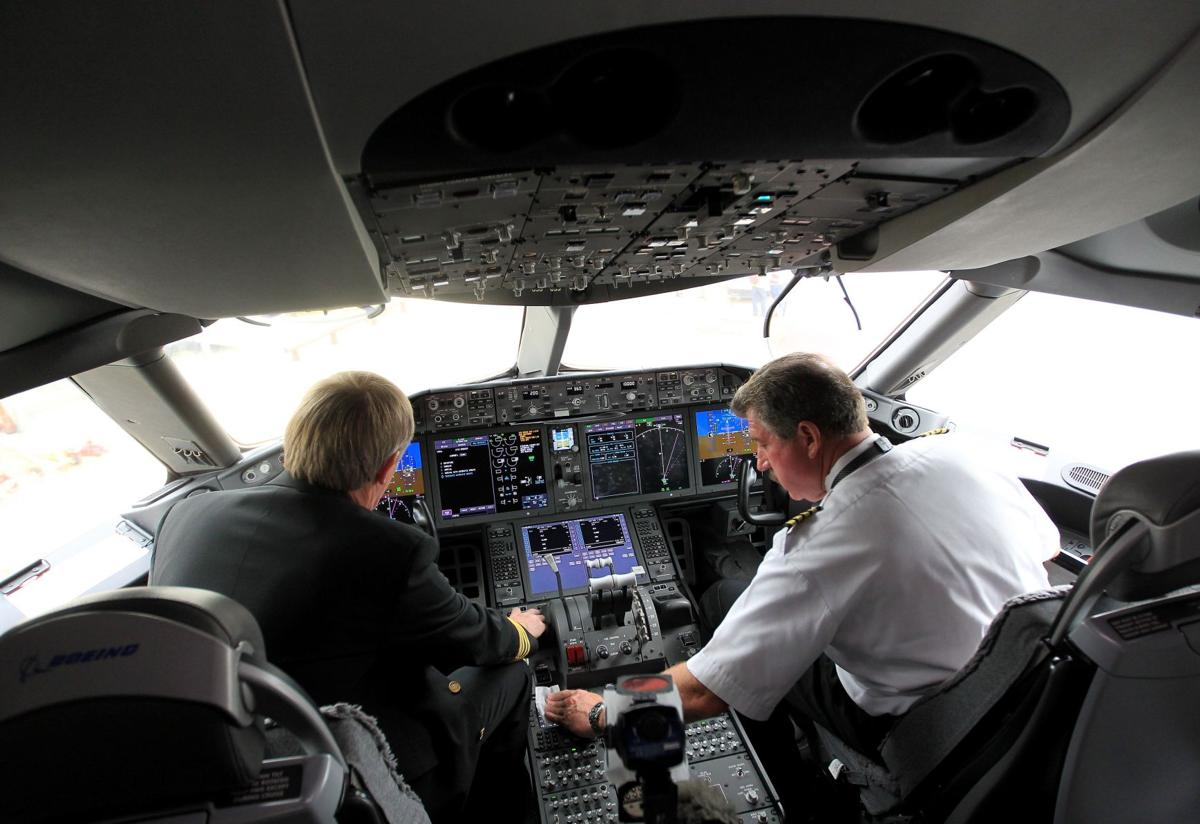Dreamliner flying Uneventful trip a relief after 4-month grounding over battery