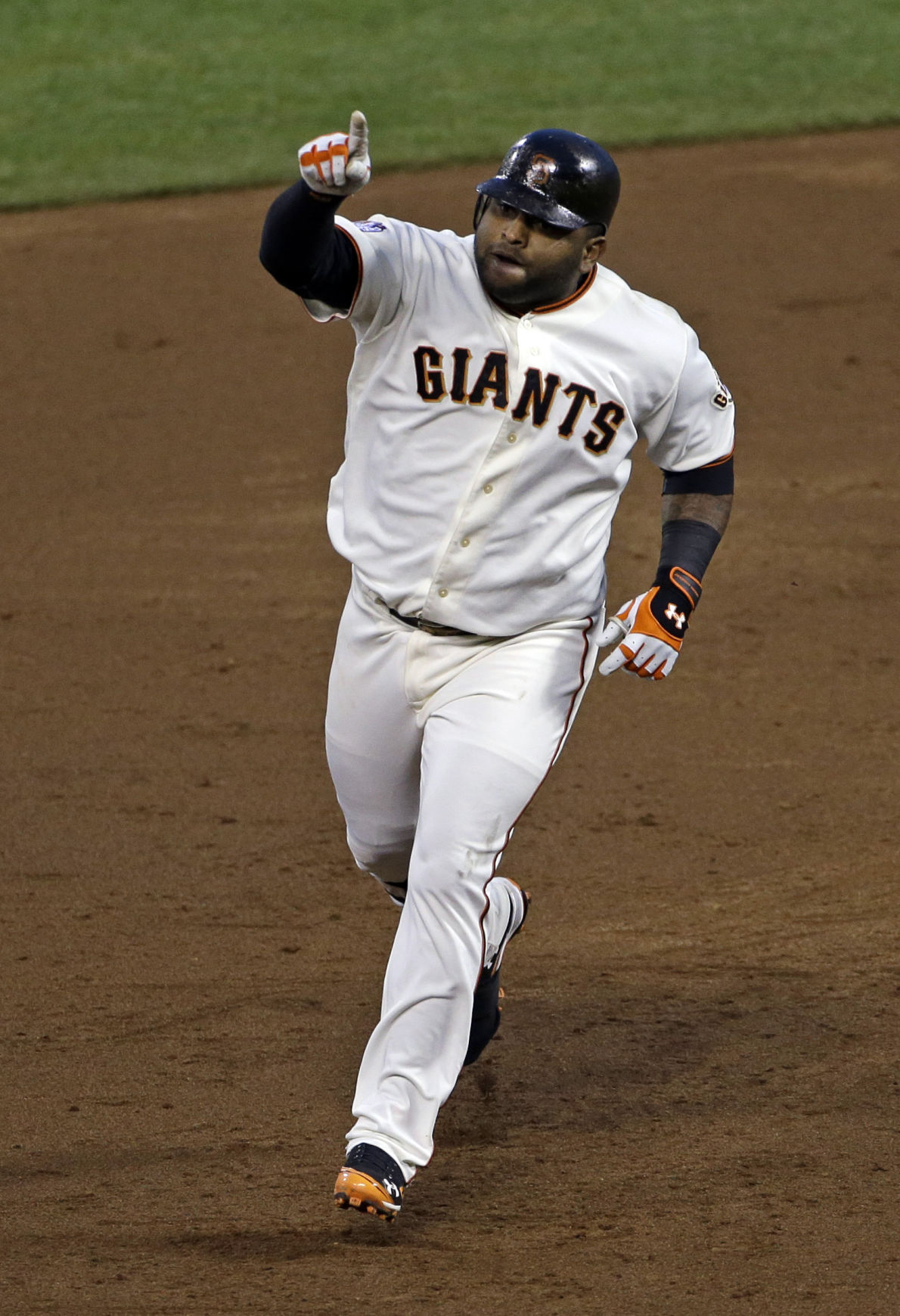Giant Panda Power San Francisco's Sandoval smashes 3 homers in Game 1 win