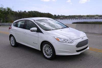 It S Ev Time Ford Puts Jolt Into Electric Vehicle Lineup With New Hybrids And Plug Ins Topping 100 Mpg