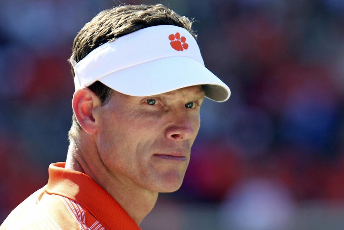 Venables, other Clemson assistants agree to contract extensions