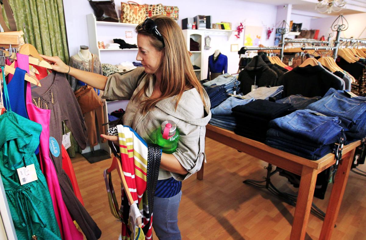 Americans spending Confident consumers give retail sales a lift in September