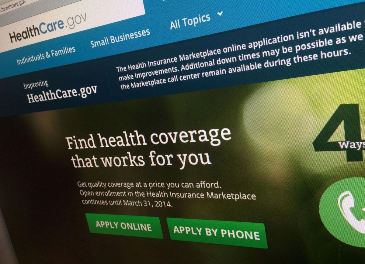 AP poll: Obama health care overhaul top 2013 story