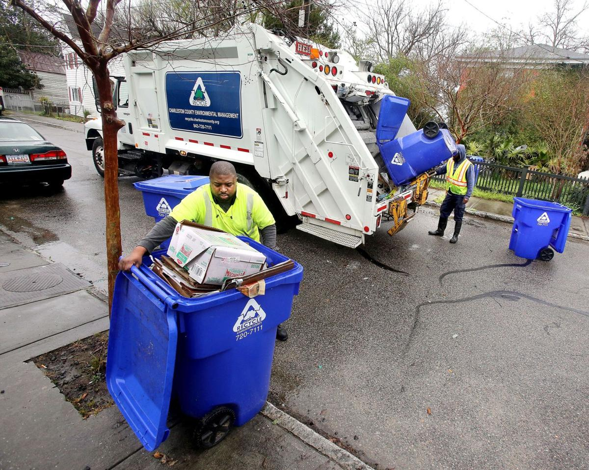 County staff recommends sticking with single-stream recycling plan