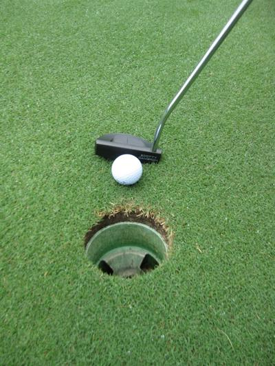 Ebersole up by one in City Senior Amateur golf tournament