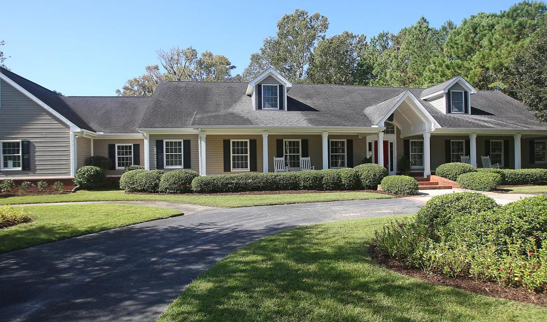 3106 Winners Circle Large Home With Swimming Spot