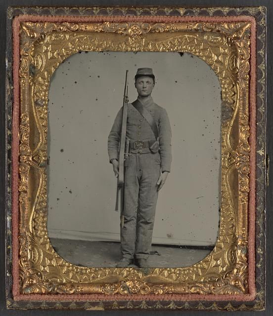 6080< AP-SC--Confederate Collection,130SC museum buys Confederate weapons smuggled in from Britain