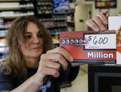 Lottery fever helps Powerball jackpot grow to $600 million