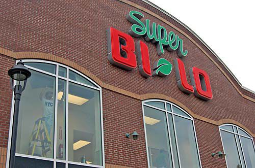 2 area Bi-Lo stores get face-lifts