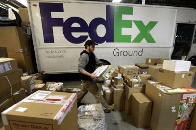 Santa delayed after snags at UPS, FedEx (copy) (copy)