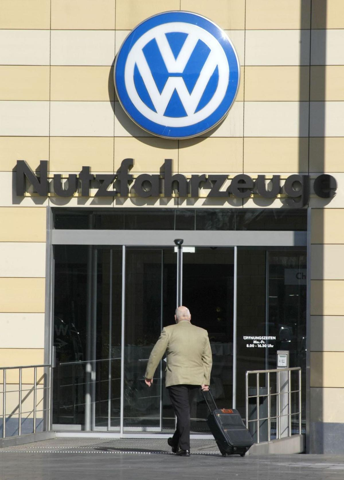 EPA says VW intentionally violates clean air standards