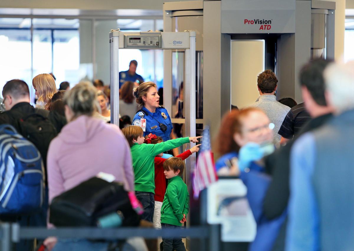 LEDE airport partial govt shutdown.jpg