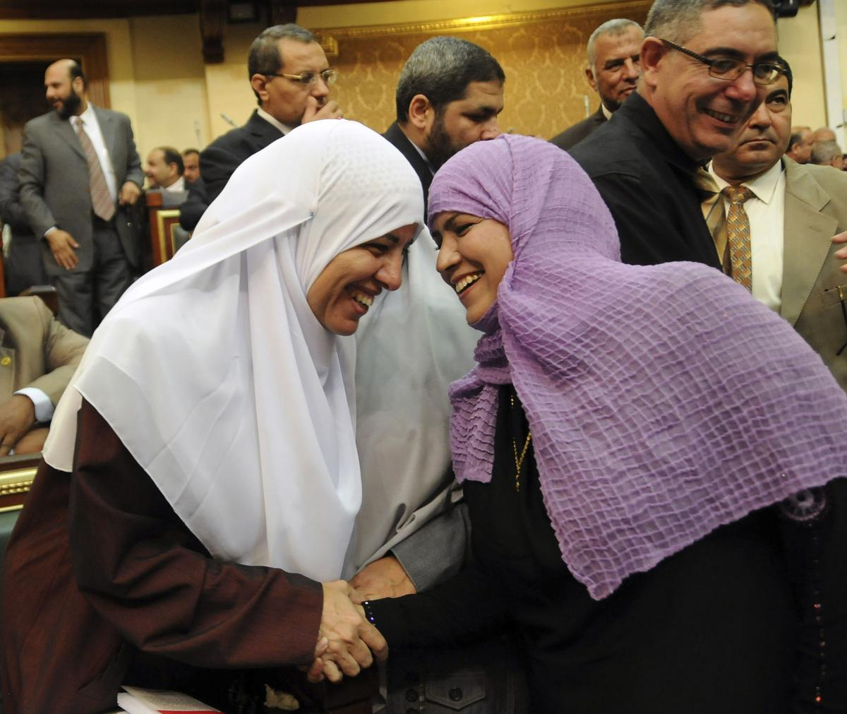 Egyptian session defies ban