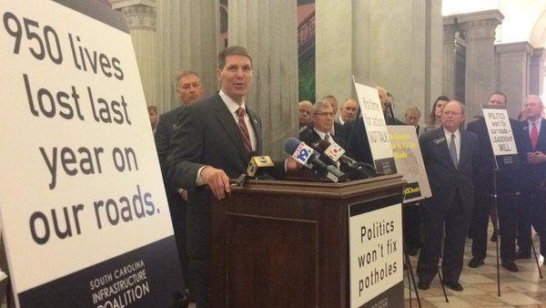 Business leaders call for senators to return paychecks