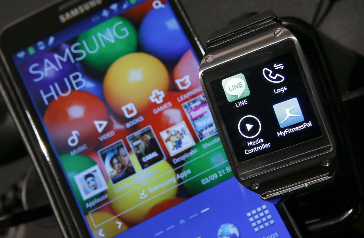 Beat the clock: Samsung 1st to unveil smartwatch
