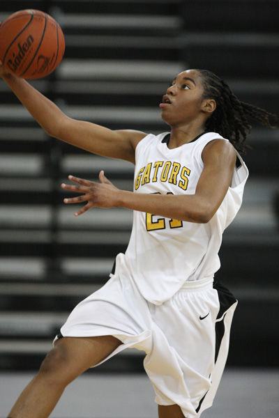 BOWMAN COLUMN: Goose Creek standout to sign with UNC